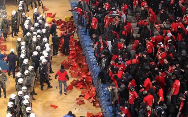 Αποτέλεσμα εικόνας για βια στα ελληνικα γηπεδα μπασκετ