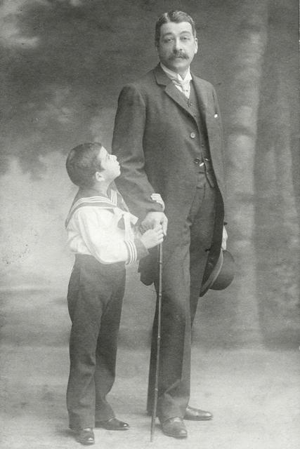 Ο Αλέξανδρος Μιχαληνός και ο προγονός του Στέφανος Ζίφος (ιδ. συλλογή)