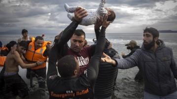 Χωρίς Διαβατήριο: Από τη φρίκη της Συρίας ως την αλληλεγγύη του Αιγαίου
